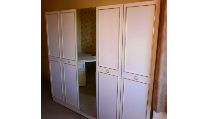 Bedroom fitment