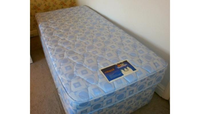 single 2 drawer divan set